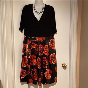 🆕 14 - Joseph Ribkoff Black w/ Red Fowers …